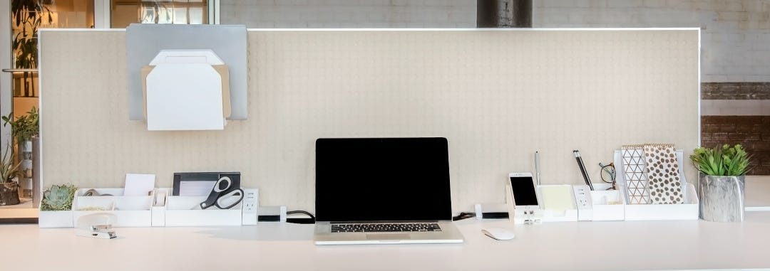 6 Tips From Productivity Experts to Organize Your Desk