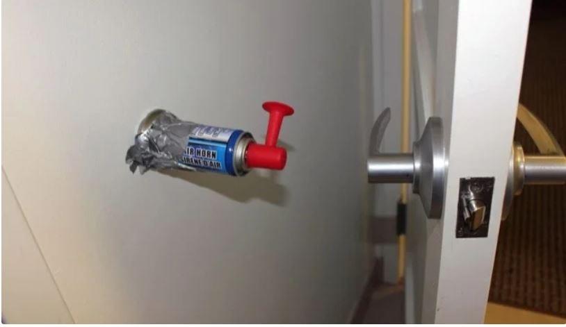 airhorn door knob